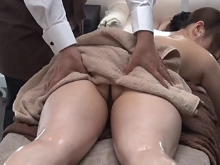 Private Oil Massage Salon for Married Woman 1.2 (Censored) japanese massage big tits video