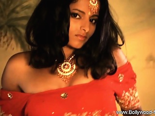 A Seductive Indian To Seduce Man And Arouse Them All amateur asian brunette video