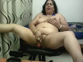 Webcam Indian Aunty dildo amateur arab bbw video