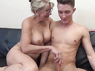 Stunning MILF with Big Boobs Gets Fucked by Teen blowjob cumshot mature video