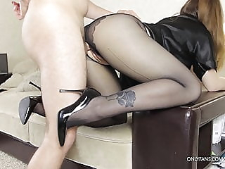 Stepsister in tights seduced me, had to fuck her well amateur blowjob cumshot video