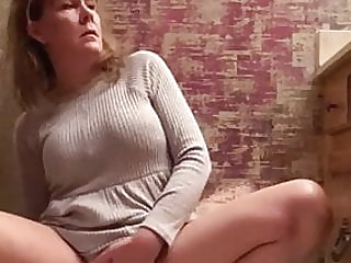 There is nothing she needs more than cumming Vid-1 mature tapes player video