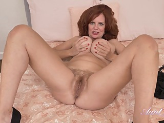 1080p Mom With Melons Wanks Her Hairy Cunt amateur big tits hairy video