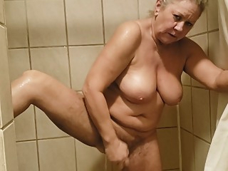 Shower Fun Power! amateur big tits hairy video
