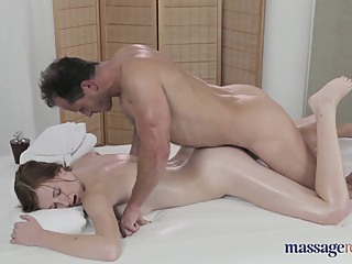 George Uhl & Linda Sweet - 720hd amateur hd massage video