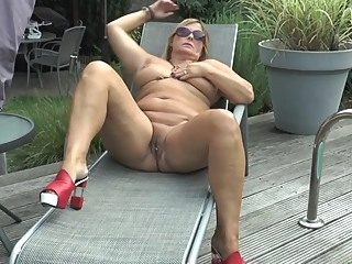 Nude in the garden amateur milf voyeur video