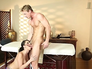 Bigtit amateur babe gets fucked by masseur amateur big tits massage video