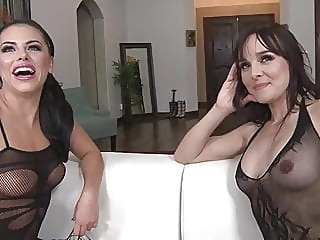 Battle Of Super Squirters lesbian pornstar top rated video