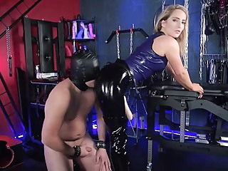 Mistress Courtney Pegging anal blonde femdom video