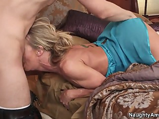 My friend's hot and sexy mom is always glad to fuck with me anal blowjob milf video