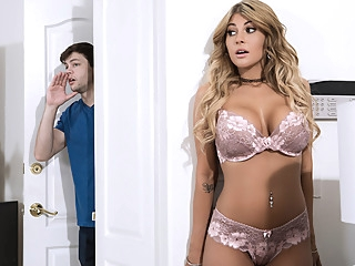 Kayla Kayden Alex D in Sister Swap: Part 1 - BrazzersNetwork big tits big ass red head video