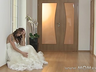 Mom xxx: Wife to be get fucked at her wedding hd milf straight video
