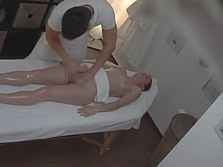 Amateur Girl Gets Her Pussy Massaged - [PornHd19.Stream] amateur czech massage video