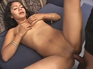 from india 2 babe blowjob close-up video