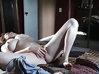 Caught masturbating pt 2 amateur fingering hidden camera video
