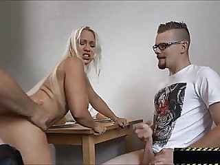 Mein Sohn, der Cuckold Versager blonde milf cuckold video