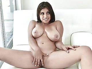 Thick Young Latina With Big Natural Tits Fucked By Big Cock blowjob brunette big boobs video