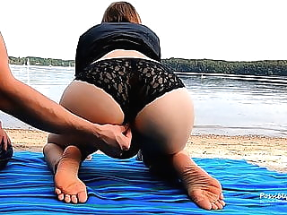 Almost Caught Again on the Beach... Bad Luck amateur beach fingering video