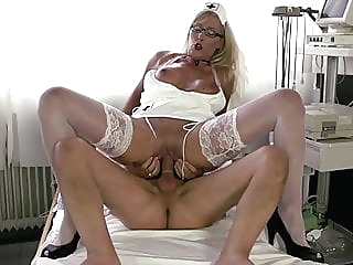 Von der Krankenschwester gesund geritten blonde blowjob big boobs video