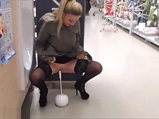 Public Insertion Tool Market - Fotzentauglichkeitstest Baumarkt - Lucy Cat amateur big ass blonde video