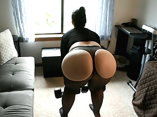 Mom Sheer Spandex Booty Workout amateur big ass fetish video