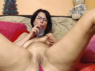 Saggy Juicy Mommy Squirt Masturbation amateur big tits brunette video