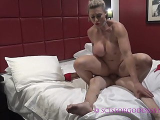 Muscle Girl Fucking On Bed amateur big tits blonde video