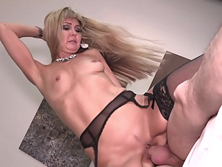 Seducing The Aunt amateur blonde hd video