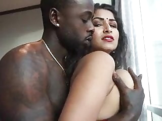Desi Dhabi and Wild African Man - Maya hardcore handjob indian video