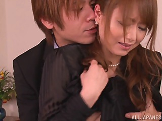 Japanese milf Akiho Yoshizawa gives a hardcore blowjob asian blowjob facial video