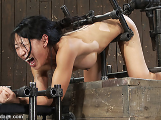 Tia Ling in Tia LingSuch a tiny ass, such a huge machine cock! - DeviceBondage anal asian bdsm video