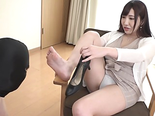 Japanese Foot Worship & Sniffing asian brunette femdom video