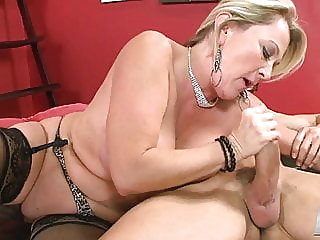 Morgan Monroe in Hot Scene blonde mature tits video
