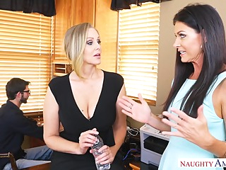 Julia Ann India summer hd blonde brunette video